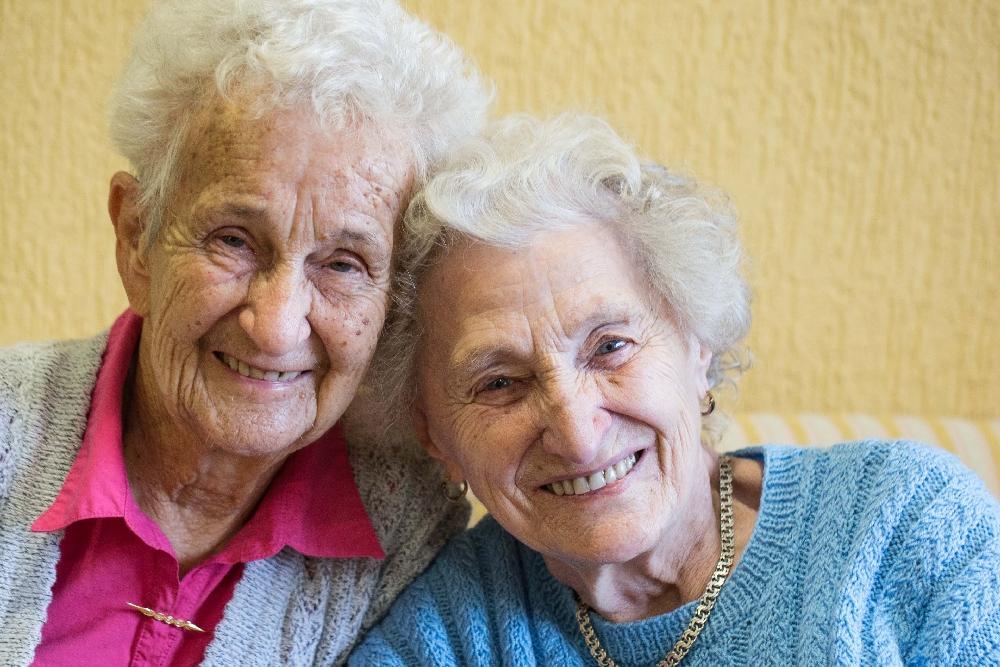 Beste Seniorenfreundinnen